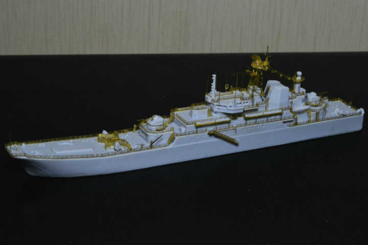 http://www.shipmodels.info/mws_forum/download/file.php?id=99166&mode=view